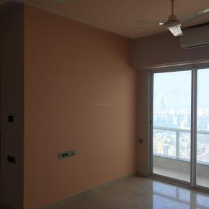 Gallery Cover Image of 1290 Sq.ft 2 BHK Apartment for rent in Malad East for 50000