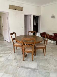 Gallery Cover Image of 1800 Sq.ft 2 BHK Independent Floor for rent in  RWA Defence Colony Block A, Defence Colony for 85000