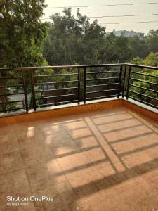 Gallery Cover Image of 1850 Sq.ft 3 BHK Apartment for rent in DDA Flats Vasant Kunj, Vasant Kunj for 50000