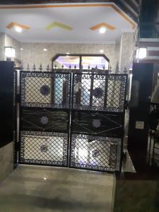 Gallery Cover Image of 952 Sq.ft 2 BHK Apartment for buy in Dilshad Garden for 5400000