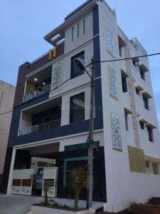 Gallery Cover Image of 1100 Sq.ft 2 BHK Independent Floor for rent in Nagarbhavi for 16000