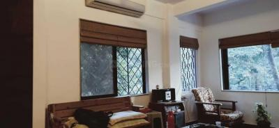 Gallery Cover Image of 1050 Sq.ft 2 BHK Apartment for rent in Bandra West for 85000