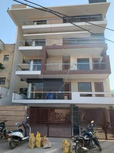 Gallery Cover Image of 3100 Sq.ft 3 BHK Independent Floor for buy in Sector 17 for 16500000