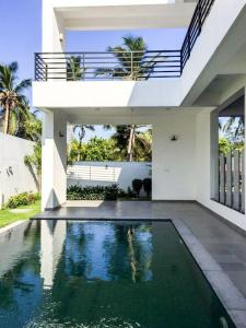 Gallery Cover Image of 3100 Sq.ft 4 BHK Independent House for rent in Kovalam for 150000