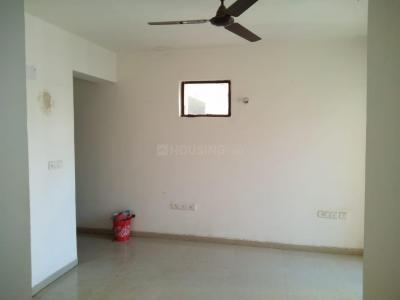 Gallery Cover Image of 858 Sq.ft 2 BHK Apartment for rent in Wave City for 7000