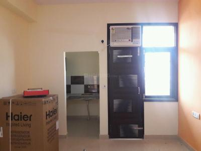 Gallery Cover Image of 350 Sq.ft 1 RK Apartment for rent in DLF Phase 3 for 14500