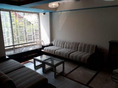 Gallery Cover Image of 920 Sq.ft 2 BHK Apartment for rent in Bandra Shiv Smurti CHS, Khar West for 55000