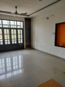 Gallery Cover Image of 1250 Sq.ft 2 BHK Apartment for rent in Badam Apartments, Tarnaka for 15000