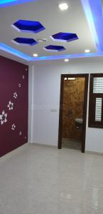 Gallery Cover Image of 680 Sq.ft 3 BHK Independent Floor for buy in Dwarka Mor for 3681000