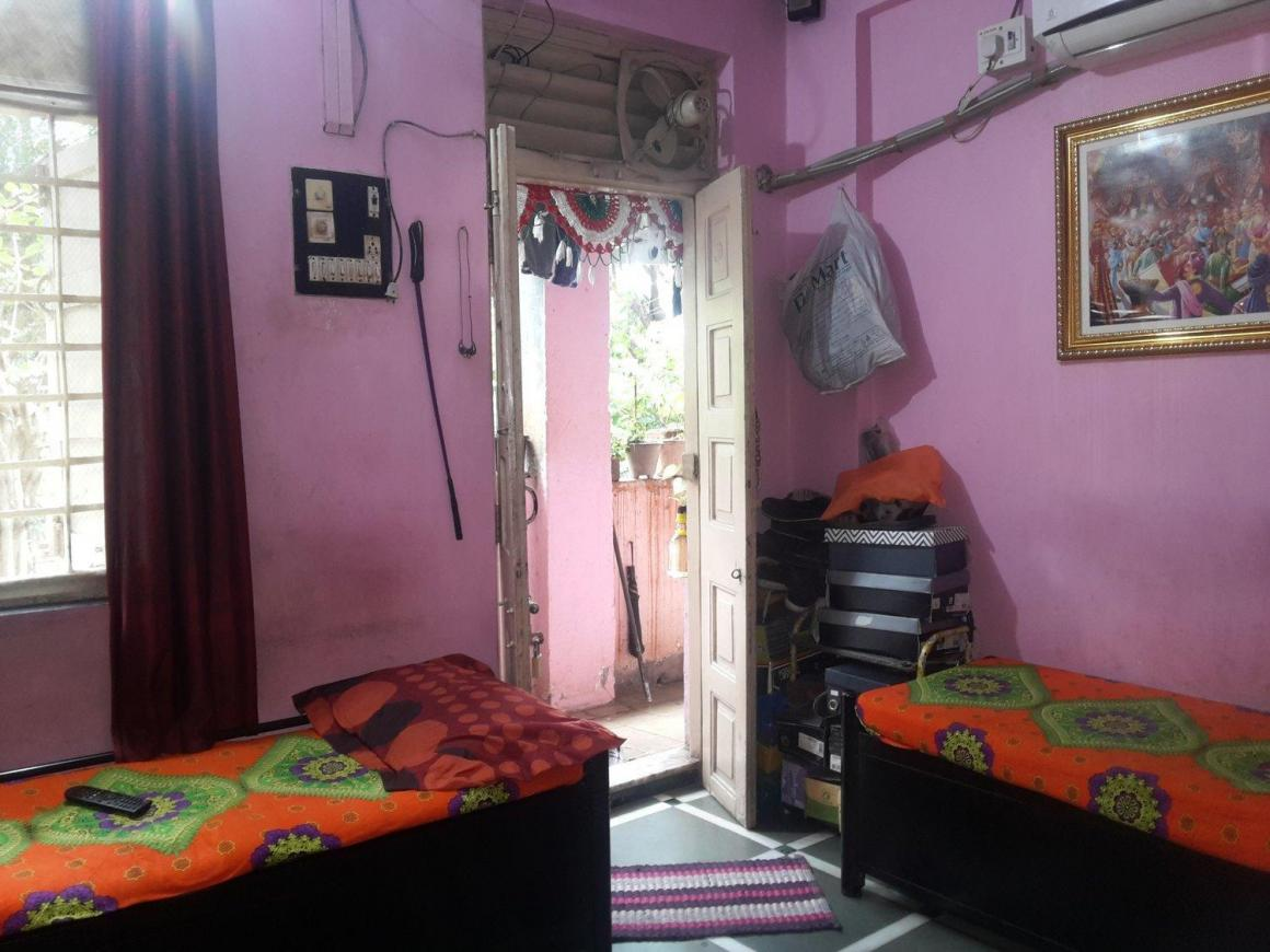 Bedroom Image of 350 Sq.ft 1 RK Apartment for rent in Vikhroli East for 13000