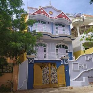 Gallery Cover Image of 2200 Sq.ft 3 BHK Independent House for buy in Puppalaguda for 19800000