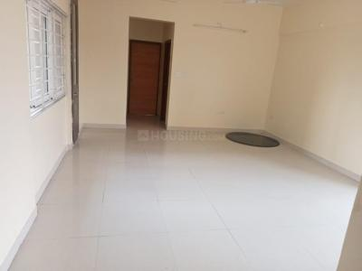 Gallery Cover Image of 950 Sq.ft 2 BHK Apartment for rent in Amanora Sterling Towers R4, Hadapsar for 26000