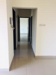 Gallery Cover Image of 831 Sq.ft 2 BHK Apartment for rent in Thane West for 22000