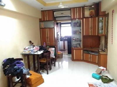 Gallery Cover Image of 450 Sq.ft 1 RK Apartment for rent in Kit Kat Society, Bandra West for 35000