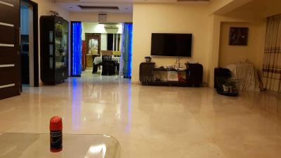 Gallery Cover Image of 1800 Sq.ft 4 BHK Apartment for rent in Bandra West for 250000