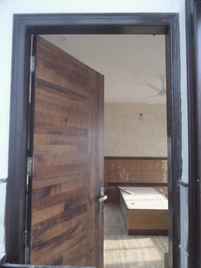 Main Entrance Image of 400 Sq.ft 1 RK Apartment for rent in Sushant Lok I for 14000