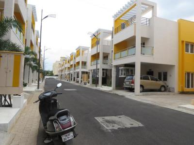 Gallery Cover Image of 2200 Sq.ft 3 BHK Villa for buy in Poomalai Gopinath Blossom, Palavakkam for 19500000