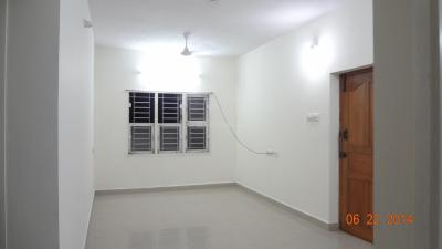 Gallery Cover Image of 1100 Sq.ft 2 BHK Apartment for rent in Kattupakkam for 12000