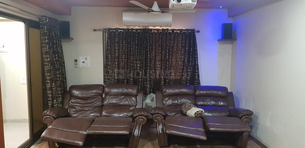 Living Room Image of 520 Sq.ft 1 BHK Apartment for rent in Dahisar East for 15000