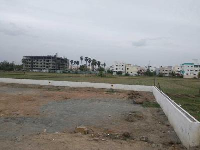 Gallery Cover Image of  Sq.ft Residential Plot for buy in Perumbakkam for 2736000