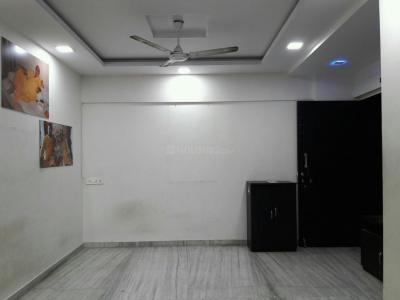 Gallery Cover Image of 720 Sq.ft 2 BHK Apartment for buy in Kandivali West for 13700000