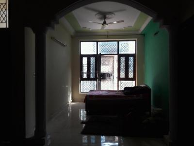Gallery Cover Image of 1400 Sq.ft 3 BHK Independent Floor for rent in Green Field Colony for 14000