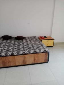 Gallery Cover Image of 650 Sq.ft 1 BHK Independent House for rent in Sector 45 for 12000