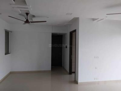 Gallery Cover Image of 1650 Sq.ft 3 BHK Apartment for rent in Kalpataru Sunrise, Thane West for 35000