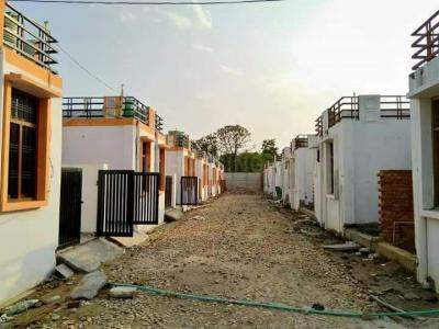 Gallery Cover Image of 402 Sq.ft 1 BHK Independent House for buy in Jankipuram for 900000