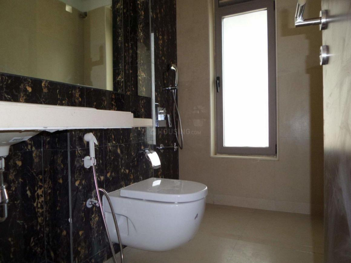 Bathroom Image of 1050 Sq.ft 2 BHK Apartment for rent in Chembur for 40000
