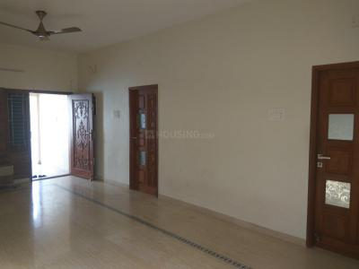 Gallery Cover Image of 1350 Sq.ft 3 BHK Apartment for rent in Tharamani for 35000