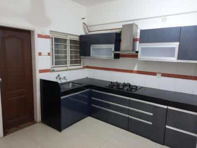 Gallery Cover Image of 1350 Sq.ft 2 BHK Apartment for rent in Kumar Picasso, Hadapsar for 24500