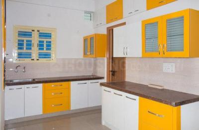 Gallery Cover Image of 1300 Sq.ft 3 BHK Apartment for rent in Thanisandra for 25100