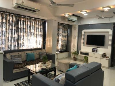 Gallery Cover Image of 1300 Sq.ft 3 BHK Apartment for buy in Kopar Khairane for 19000000
