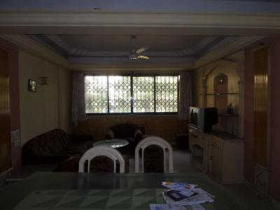 Gallery Cover Image of 1000 Sq.ft 2 BHK Apartment for buy in Jasmine, Bandra East for 25000000