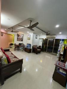 Gallery Cover Image of 1000 Sq.ft 2 BHK Apartment for buy in Joy Valencia, Jogeshwari East for 23500000