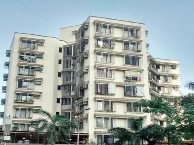 Gallery Cover Image of 555 Sq.ft 1 BHK Apartment for rent in Kandivali East for 22000