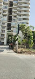 Gallery Cover Image of 2800 Sq.ft 4 BHK Apartment for rent in Rainbow Apartment, Sector 43 for 40000