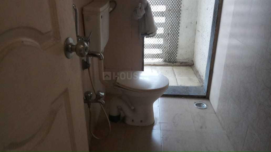 Common Bathroom Image of 1200 Sq.ft 2 BHK Apartment for rent in Ghansoli for 35000