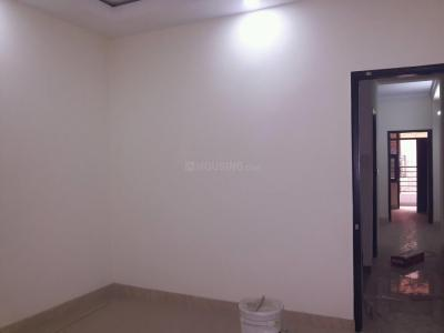 Gallery Cover Image of 560 Sq.ft 2 BHK Apartment for rent in Sector 4 Rohini for 10500