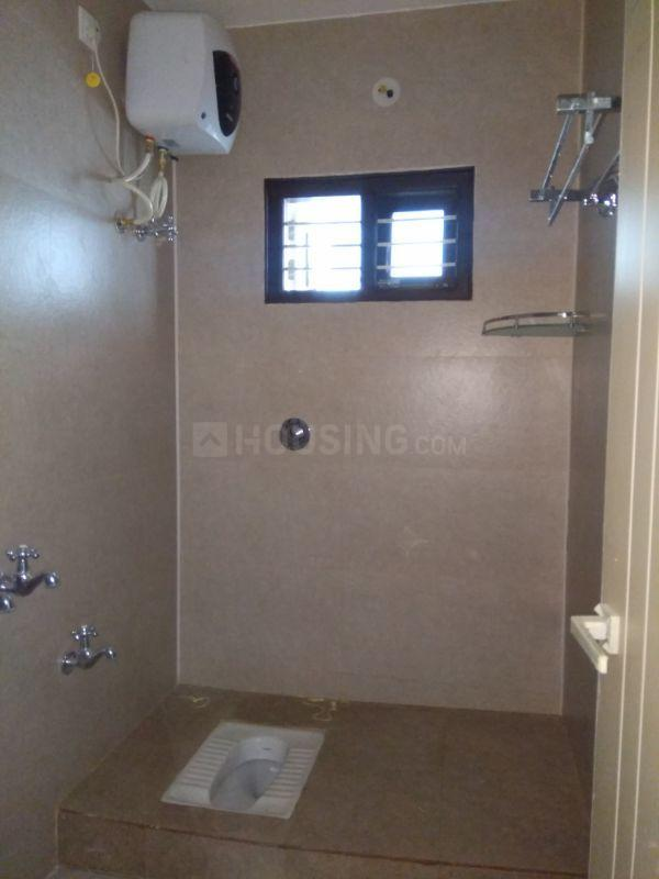 Common Bathroom Image of 1150 Sq.ft 2 BHK Independent Floor for rent in Basaveshwara Nagar for 22000