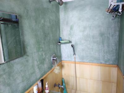 Bathroom Image of Near Kalina University Full Room And Double Occupancy Room Available For Boy In 2 Bhk Its A Fully Furnished Apartments Without Owners in Santacruz East