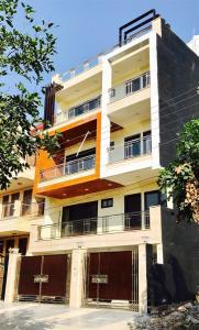 Gallery Cover Image of 1900 Sq.ft 4 BHK Independent House for buy in DLF Phase 3 for 52500000