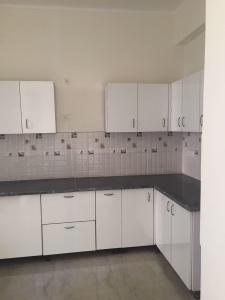Gallery Cover Image of 2439 Sq.ft 5 BHK Apartment for rent in Omega II Greater Noida for 15000