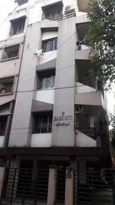 Gallery Cover Image of 800 Sq.ft 2 BHK Apartment for rent in Lake Gardens for 13000