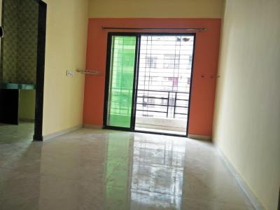 Gallery Cover Image of 690 Sq.ft 1 BHK Apartment for rent in Vardhman Bhavan, Kamothe for 9500