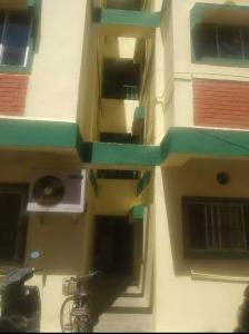 Gallery Cover Image of 1000 Sq.ft 3 BHK Apartment for rent in Vasanth Apartments, Saidapet for 23000