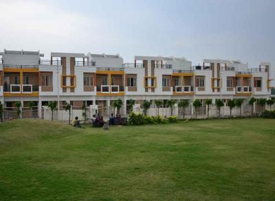 Gallery Cover Image of 1110 Sq.ft 2 BHK Villa for buy in Gomti Nagar for 7185000