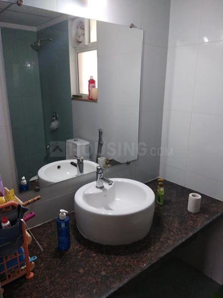 Common Bathroom Image of 987 Sq.ft 2 BHK Apartment for rent in Chinchwad for 14000