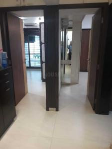 Gallery Cover Image of 750 Sq.ft 2 BHK Apartment for rent in Vile Parle East for 65000